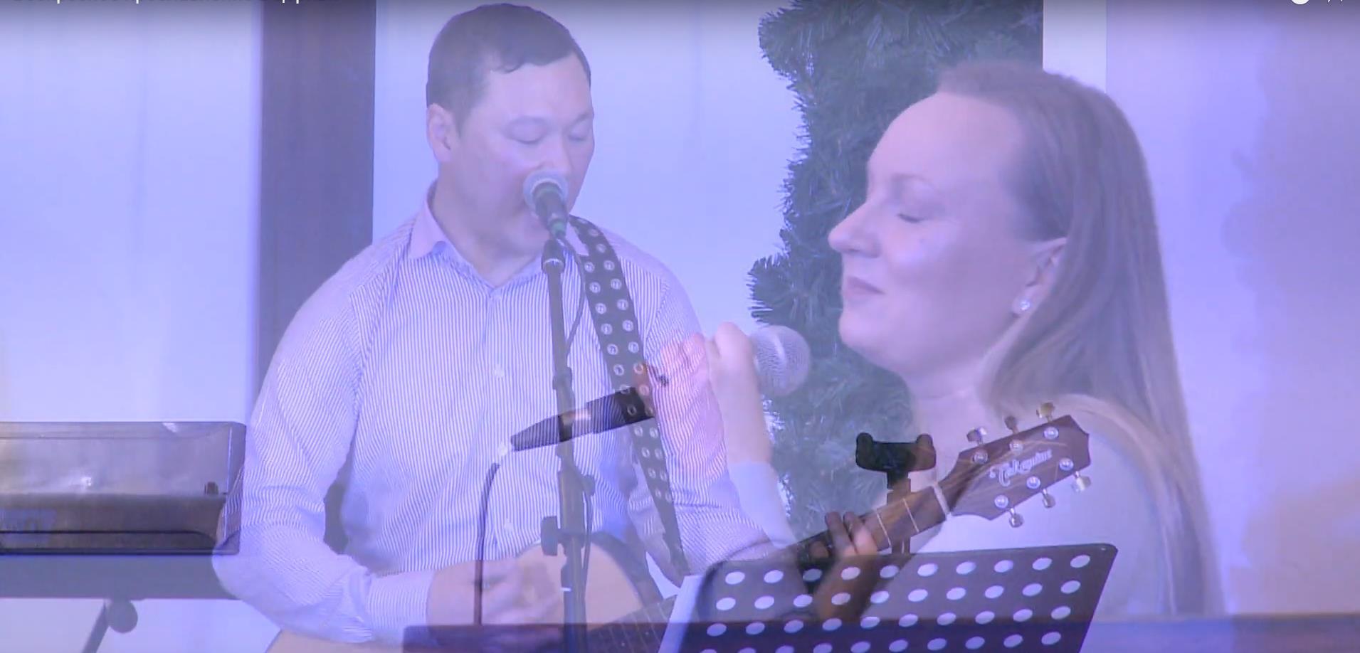 Воскресное прославление в церкви